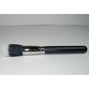 MAC Cosmetics 187 Duo Fibre Face Brush 18cm Discon